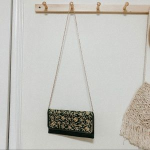 Vintage green embroidered crossbody chain purse